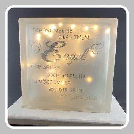 Detailansicht-Lampe-Engel