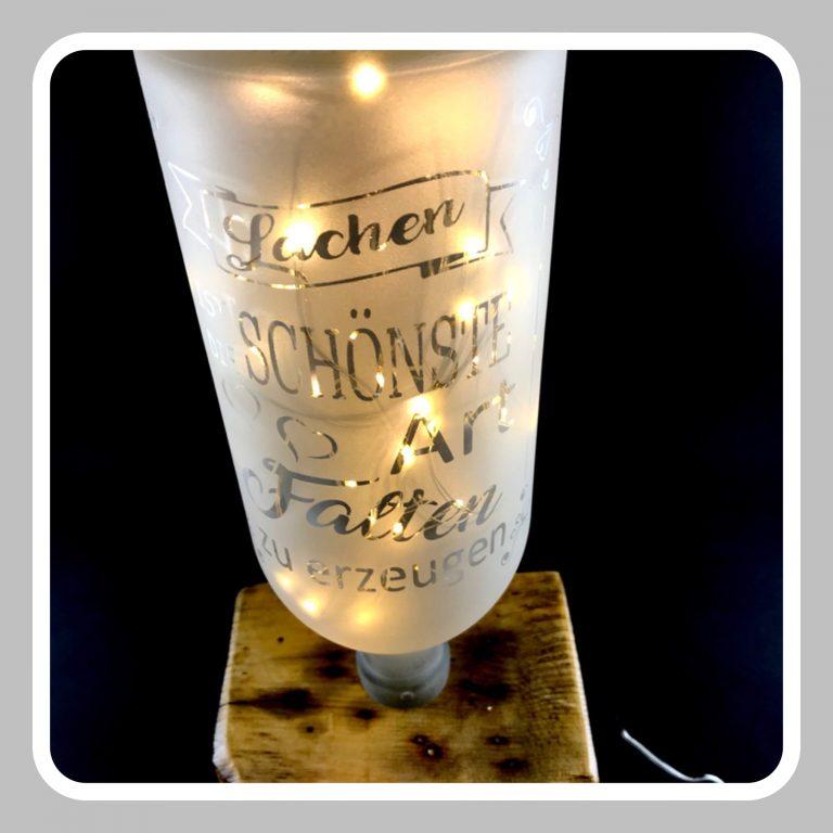 Detailansicht-Lampe-Lachen-Bild-1